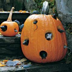 30 Creepy Outdoor DIY Halloween Crafts