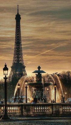 Fontaine Place de la Concorde with Eiffel Tower in the background ~ Paris, France Places Around The World, Oh The Places You'll Go, Places To Travel, Places To Visit, Travel Destinations, Travel Tips, Travel Stuff, Travel Packing, Travel Backpack