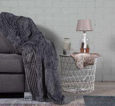 #slaapkamer #interieur # wonen #woonkamer Dark Grey, Plaid, Blanket, Bed, Home, Gingham, Stream Bed, Ad Home, Blankets