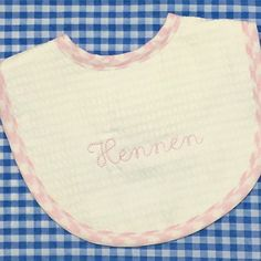"""Who doesn't love a piqué bib from @3marthas ?? Shown in our Maisy font, this one has gone to live in Nashville with new baby """"Hennen""""! 👶🏼 #sewsewswell #bibs #embroidery #3marthas #babygear #babybib #babygifts"""