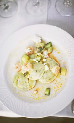 Goat Cheese Ravioli, served with petite shrimp, leeks, and zucchini. All of which pair excellently with beers from Hoegaarden to Stella Artois Seafood Recipes, Pasta Recipes, Vegetarian Recipes, Cooking Recipes, Healthy Recipes, Lotsa Pasta, Pasta Dishes, Food For Thought, Food Inspiration