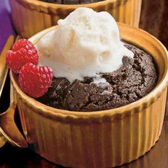 Healthy Mocha Pudding Cake - Decadent yet low-calorie ( only 230 calories! ), this dessert will satisfy your sweet tooth without adding jiggle to your thighs