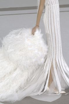 Breathtaking sheer gown by CHANEL Haute Couture, spring/summer 2007 Style Haute Couture, Chanel Couture, Couture Fashion, Couture Details, White Fashion, Love Fashion, Mode Chanel, Mode Glamour, Fashion Details