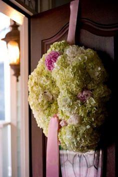 Decorate Your Door several interesting wreath designs Anne Designs Hydrangea Garden, Green Hydrangea, Hydrangea Wreath, Floral Wreath, Wedding Door Wreaths, Wedding Doors, Wedding Arrangements, Flower Arrangements, Holiday Wreaths