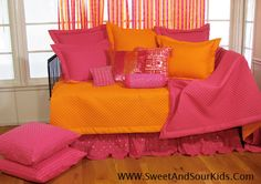 Teen, girl, bedding, daybed, hot pink, brightly, colored, bed,