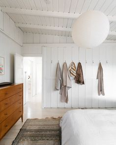 Home Interior Bathroom white bohemian bedroom.Home Interior Bathroom white bohemian bedroom Gothic Home Decor, Retro Home Decor, Easy Home Decor, Cheap Home Decor, Small Room Bedroom, Bedroom Decor, White Bedroom, Black Bedrooms, Gothic Bedroom