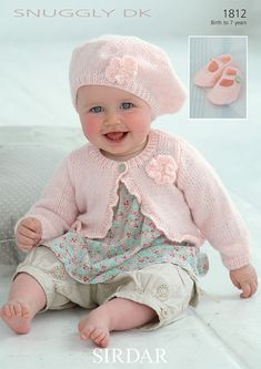 Cardi, Baskenmütze und Schuhe in Sirdar Snuggly DK – 1812 - Stricken im Winter Sirdar Knitting Patterns, Baby Hats Knitting, Knitting For Kids, Vintage Knitting, Double Knitting, Knitted Hats, Hand Knitting, Knitted Baby Cardigan, Baby Pullover
