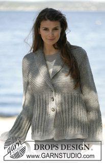 """Saco de punto DROPS tejido holgadamente, con orillas en ganchillo / crochet en """"Alaska"""". ~ DROPS Design"""