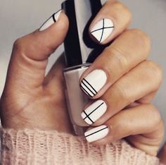 Two tone nails are very popular nowadays. You must have seen many models and celebrities show off beautiful manicured nails with the coolest two tone nail designs on them. As the name suggests, two tone nails art means that the wearer uses two differ Fancy Nails, Love Nails, Pretty Nails, Classy Nails, Nail Art Diy, Easy Nail Art, Art Nails, Sharpie Nail Art, Fantastic Nails