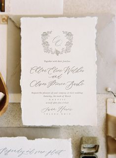 Modern minimalist wedding with soft textural details in elegant bridal editorial. #neutralweddingcolors #minimalistweddingstyle #elegantbridalstyle #elegantbridaleditorial