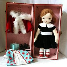 I remember those doll cases