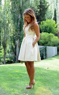 love a neutral dress!