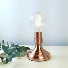 Lámpara cobre sobremesa