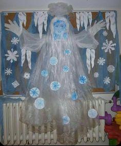 Risultati immagini per zimní městečko ve výtvarce Projects For Kids, Crafts For Kids, Winter Magic, Classroom Decor, Paper Flowers, Origami, Preschool, Halloween, Christmas