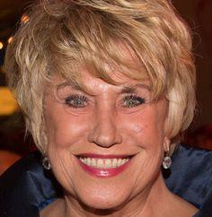 Jenny Arean 04-10-1942 NL zangeres, cabaretière en actrice. Op haar veertiende zag ze een show van Wim Sonneveld en sindsdien wilde ze het cabaret in. Ze brak de huishoudschool af en ging werken als hulp in de huishouding. Begin 1960 kwam ze bij het ABC-cabaret van Wim Kan en Corry Vonk. Arean was van 1964 tot 1973 gehuwd met de acteur Huib Rooymans. Begin jaren tachtig had Arean een relatie met Ischa Meijer die haar aanmoedigde een soloprogramma uit te brengen…
