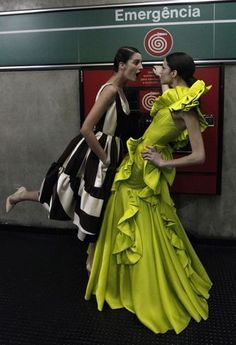 Fashion Show in the Metro/Sao Paulo.. so classy... so green .... so everything what a great idea that was