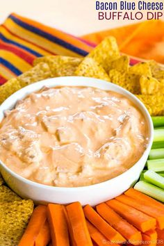 Bacon Blue Cheese Buffalo Dip - this spicy dip recipe is made with Greek yogurt and loaded with blue cheese and bacon for a low carb appetizer. Serve with chips or veggies as a great game day snack! Yogurt Dip Recipe, Yogurt Recipes, Dip Recipes, Snack Recipes, Cheese Recipes, Low Carb Appetizers, Easy Appetizer Recipes, Best Appetizers, Sauce Buffalo