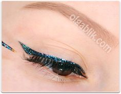 How to Apply Glitter Eye Makeup4