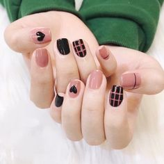 Mar 2020 - Even though you have short nails, you still can make your own nail art design. Try these ideas and be rewarded with beautiful nails. Korean Nails, Korean Nail Art, Hair And Nails, My Nails, Cute Nails, Black Nail Art, Black Nails, Black Art, Nail Swag