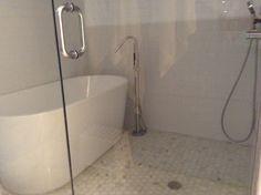 IS IT A TUB?  IS IT A SHOWER? Puerto Rico, Whirlpool Bathtub, Take A Shower, Bathroom, Bathroom Remodeling, Wash Hand Basin, Showers, Whirlpool Tub, Bath Room