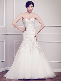 Cheap beaded bridal gown, Buy Quality bridal gown directly from China fitted wedding dress Suppliers: Fitted Wedding Dresses Mermaid Robe De Mariage Sweetheart Delicate Beaded Bridal Gowns Off the Shoulder Organza In Stock Wedding Bridesmaid Dresses, Wedding Dress Styles, Wedding Suits, Bridal Dresses, Wedding Gowns, Xv Dresses, Wedding Lace, Wedding Gown Gallery, Tulle
