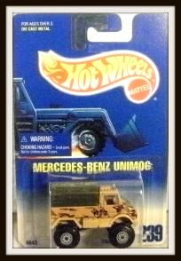 Hot Wheels Mercedes-Benz Unimog