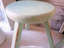 SOLD VERKAUFT VERKOCHT Vintage Hocker Beistelltisch shabby pastell grün