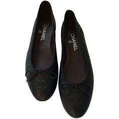 Pre-owned Chanel Black Quilted Ballet Flats ($419) ❤ liked on Polyvore featuring shoes, flats, black, quilted flats, black ballet pumps, chanel, ballet flat shoes and ballerina pumps