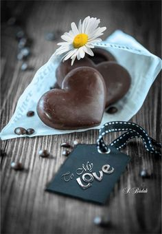 "Ho imparato a dire: ""Non fa niente me l'aspettavo"". Heart Of Life, Heart In Nature, I Love Heart, My Heart, Kanazawa, Splash Images, Valentines Day Wishes, Hey Love, Love Kiss"