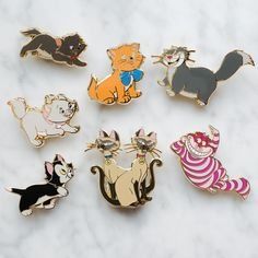 Cats berlioz marie toulouse lucifer cheshire figaro si & am disney cute pin badge enameled (official pin trading) Eleonore Bridge, Logos Retro, Disney Cats, Jacket Pins, Disney Trading Pins, Cool Pins, Disney Jewelry, Disney Magic, Disney Disney