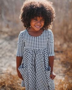 Adorable gingham dress for girls! Gingham Dress, Little Girl Outfits, Girls Shopping, Bodice, Kids Fashion, Girls Dresses, Casual, Sleeves, Cotton