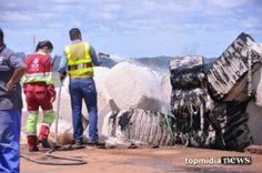 O ASSUNTO É... Ronda Policial: Caminhão tomba e carga pega fogo na saída para São...