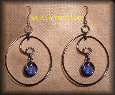 Aros pendientes artesanales de alambre y cuentas . Ver tutorial . handmade Wire hoop earrings . beads https://www.facebook.com/photo.php?fbid=308320592670697&set=a.196968537139237.1073741839.172060006296757&type=1&theater