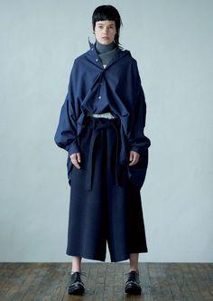 fae736874b855 Y's Yohji Yamamoto Fall 2016 Ready-to-Wear Collection Photos - Vogue