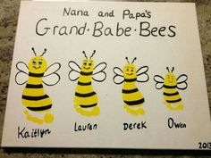 Here are the easy 9 grandparents day crafts and ideas for kids. Grandparent's day crafts include cards and gifts that make the grandparents happy and loved. Grandparents Day Crafts, Grandparent Gifts, Grandma Crafts, Fathers Day Kids Crafts, Bee Crafts For Kids, Grandmother Gifts, Grandmothers, Cute Crafts, Crafts To Do