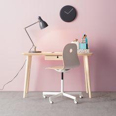 Lugar na frente do estilo.  #decoração #cadeiras #IKEAPortugal