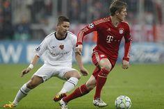 7:0! Der FC Bayern München zerlegt den FC Basel. Richtig. NUR BASEL. Jetzt mal wieder schön locker durch die Hose atmen.