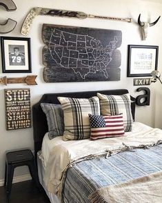 44 Teen Farmhouse Bedroom To Decorate In Your Home Rustic Boys Bedrooms, Boys Bedroom Decor, Home Bedroom, Bedroom Wall, Bedroom Ideas, Teen Boys Room Decor, Boys Bedroom Furniture, Big Boy Bedrooms, Bedroom Ceiling