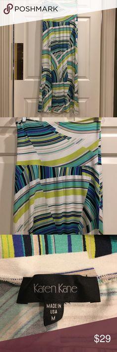 EUC Karen Kane Maxi Skirt - Sz Med EUC Karen Kane Maxi Skirt with a great geometric pattern. Size Medium. Always drycleaned. No stains or tears. Perfect for a winter cruise or trip to the beach! Karen Kane Skirts Maxi