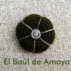 Colección ACER - Broche de ganchillo, su precio es de 5€