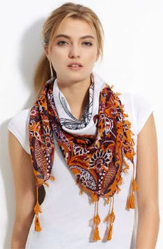 Head Scarf - Scarves For Women in Fashion - Stylish Silk Scarves - How To Wear Square Rectengular Scarf - Ideas And Tips For Wearing Scarves - Pakistan latest fashion - online fashion shopping - latest fashion trends Milan Fashion Weeks, New York Fashion, Latest Fashion Trends, Runway Fashion, Womens Fashion, Fashion Ideas, Ways To Wear A Scarf, How To Wear Scarves, Wearing Scarves