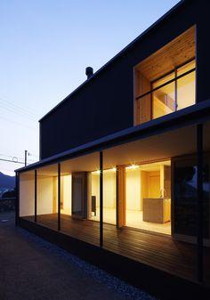 box+void house  http://www.kawazoe.biz/
