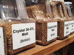 How to Identify Malt Flavor in Beer: Specialty Grains - Ilka Burburough Brewing Recipes, Homebrew Recipes, Beer Recipes, Home Brewery, Home Brewing Beer, Beer Mash, Beer Ingredients, Malt Beer, Home Brewing Equipment