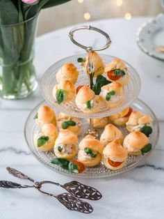 Cheese Snacks, Cheese Appetizers, Finnish Recipes, High Tea, Afternoon Tea, Bakery, Good Food, Fruit, Cooking