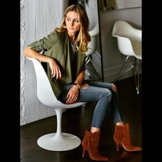 """Olivia Palermo on Instagram: """"Casual Wednesday at the office @schutzshoes  """""""