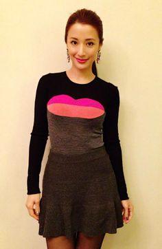 搽紅唇穿紅唇~ Look of Tuesday. Sweater by Sonia Rykiel. Labios rojo desgaste desgaste labios rojos ~ mirada del martes. Jersey de Sonia Rykiel. (Traducido por Bing)
