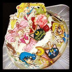 sailor moon cake                                                                                                                                                                                 Más