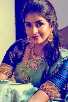 Bridal Silk Saree, Silk Sarees, Stylish Blouse Design, Silk Saree Blouse Designs, Indian Gowns Dresses, Anarkali Dress, Beautiful Girl Image, Blouse Styles, Indian Bridal