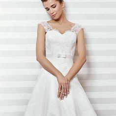 Rochii de mireasa vara 2014 – elegante si senzuale[…] Wedding Dresses, Fashion, Bride Dresses, Moda, Bridal Gowns, Fashion Styles, Wedding Dressses, Bridal Dresses