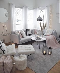 Glam living room inspo Which photo fits your style more? Interior Design Career, Interior Decorating Styles, Decor Interior Design, Decorating Your Home, Diy Home Decor, Design Interiors, Online Furniture Stores, Online Home Decor Stores, Furniture Shopping